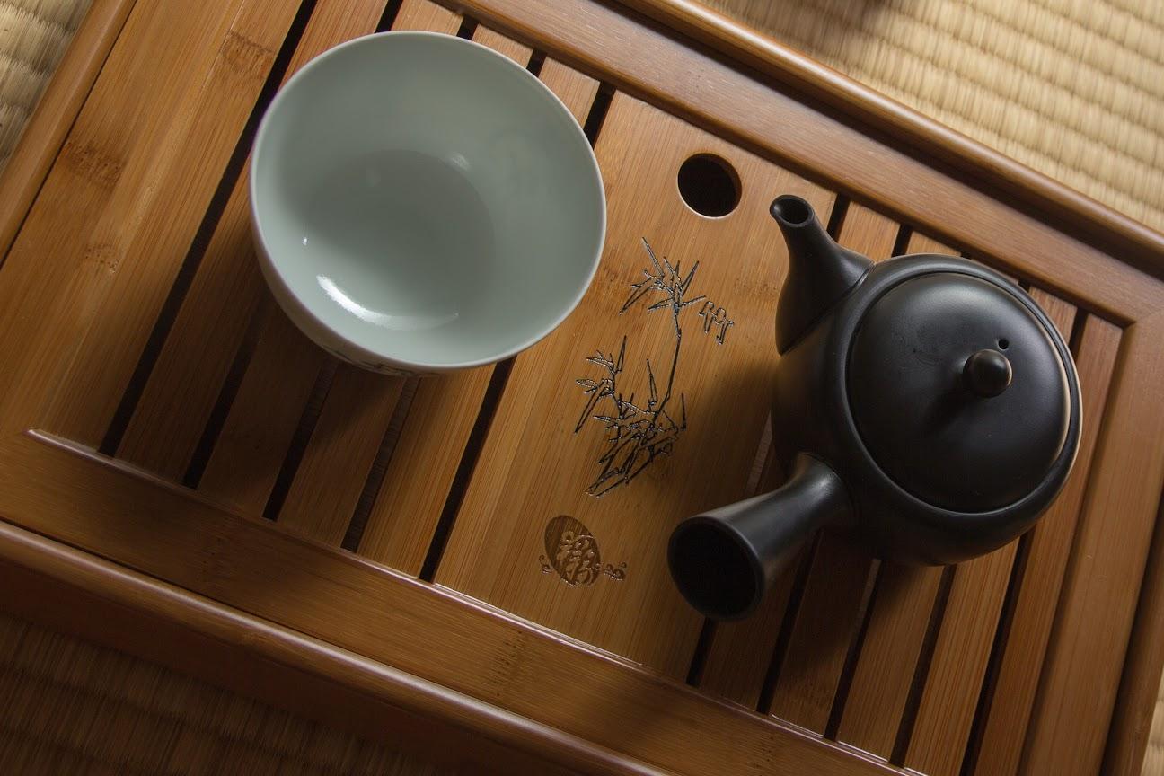 Japanischer Tee auf chinesischen Teeboot