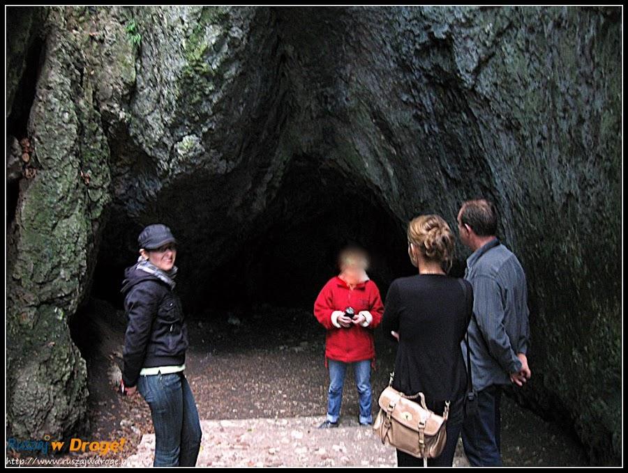 wejście do jaskini łokietka
