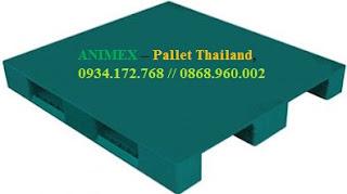 Pallet nhựa mặt bít 3 thanh chặn