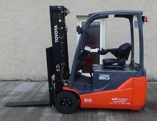 Xe nâng điện Toyota 2 tấn cao 3m 4m