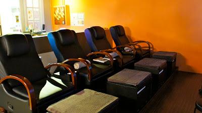 Neat recliner massage chairs