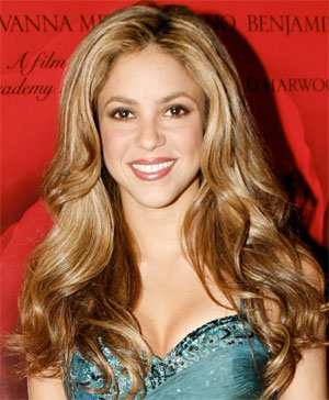 Long Curls With Bangs, Long Hairstyle 2011, Hairstyle 2011, New Long Hairstyle 2011, Celebrity Long Hairstyles 2039