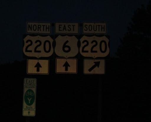 Signs! 10RT085_PA_0806_leavingUSrt6_toPA220n