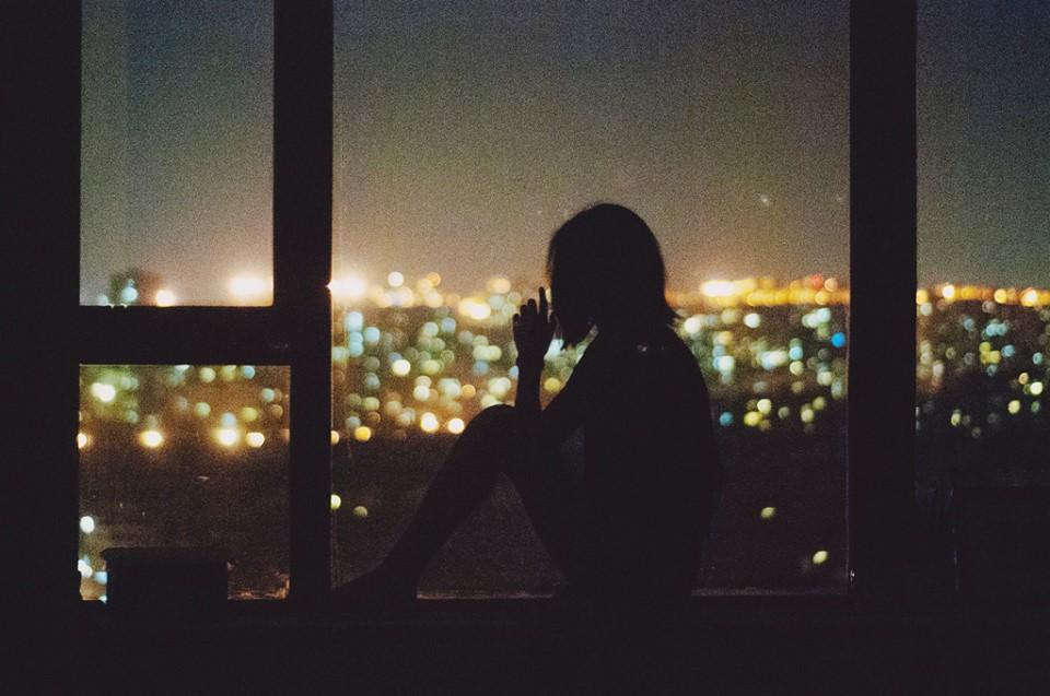 đêm buồn nhớ chồng đang ở xa