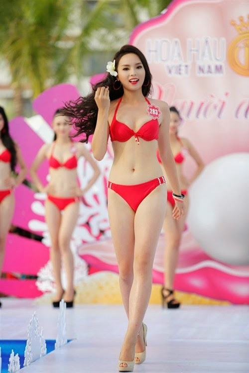 Nguyễn Cao Kỳ Duyên – từ nữ sinh Ngoại thương đến Hoa hậu Việt Nam 2014
