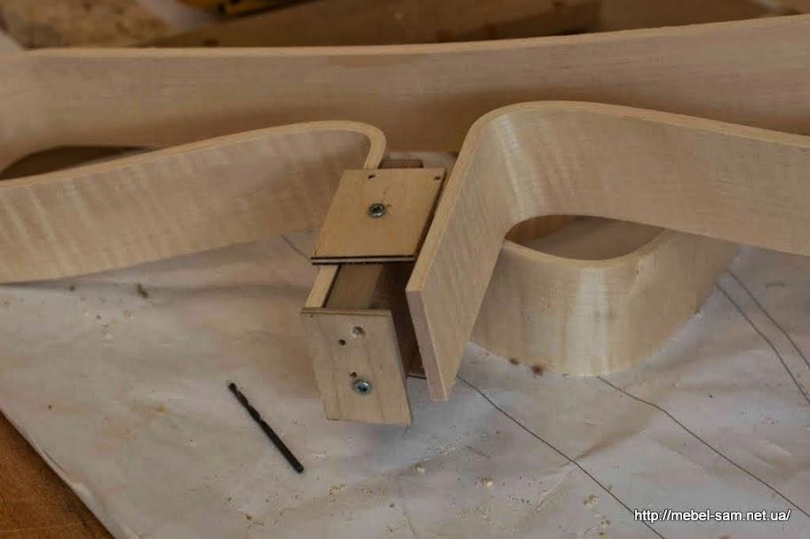 Одна деталь спинки, сиденья фанерного кресла