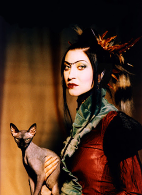 Floria Sigismondi and a cat