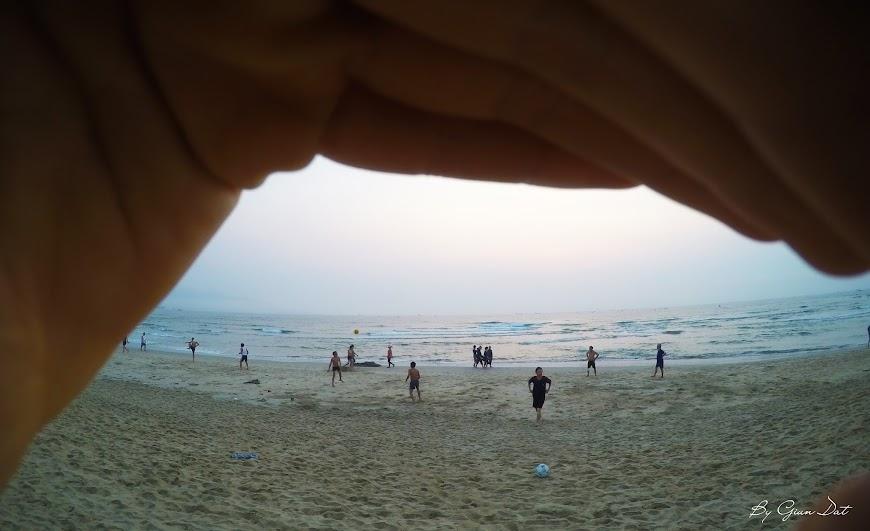 Bình minh tại bãi biển Mỹ Khê