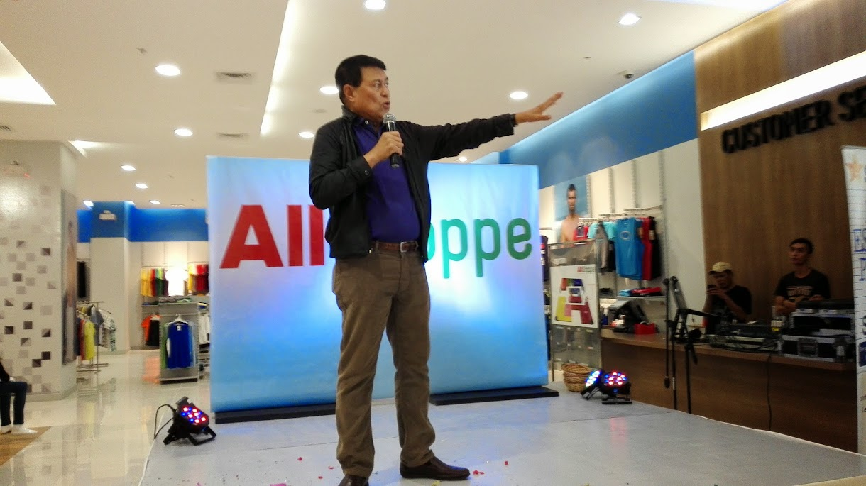CHAIRMAN MANNY VILLAR WELCOMES EVERYONE DURING THE OPENING DAY OF ALLSHOPPE AND ALL DAY MART IN ALL HOME DAANG HARI, VISTA CITY.