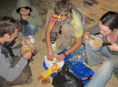 Huyền Chip: 20 tuổi, 700 USD và hành trình đi khắp thế gian - Ảnh 9
