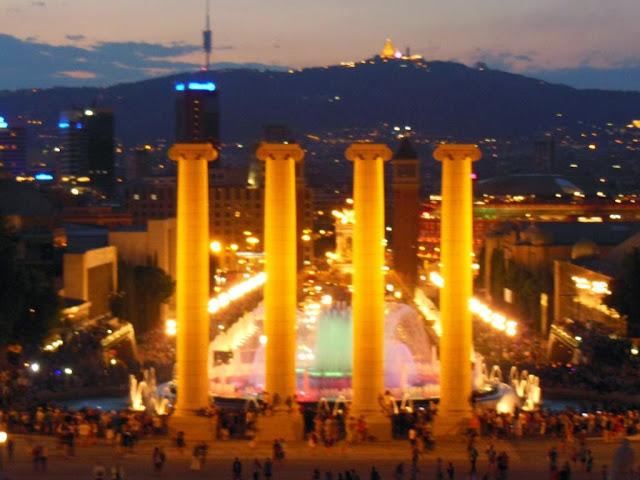 72 horas en barcelona dia 3 monasterio pedralbes puerto for Espectaculo fuentes de montjuic