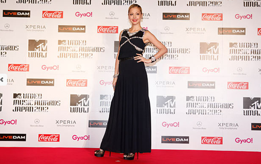 Anna Tsuchiya on the red carpet | MTV Video music awards Japan 2012