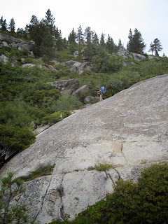 M easing down on of the ledges...but staying clear of that manzanita, which is impenetrable. ©http://backpackthesierra.com
