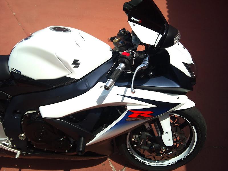Brinquedo novo na área - GSXR 750 2012 Branca (pag 2) DSC_0080