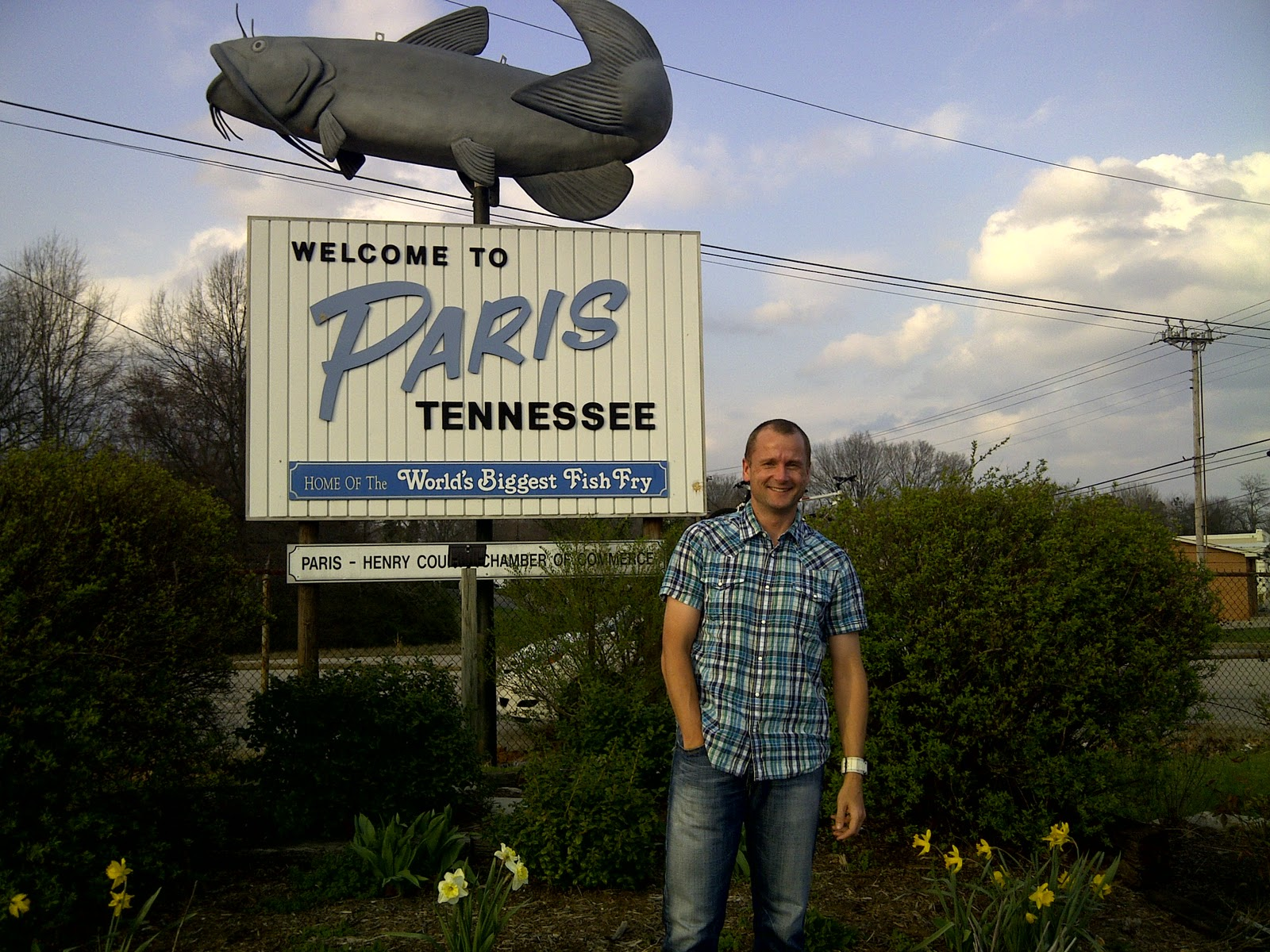 Race report 2011 natchez trace adventure race ultra kraut running paris tennessee home the worlds biggest fish fry not paris france home of the eiffel tower see image below of a german tourist proudly posing in front publicscrutiny Images