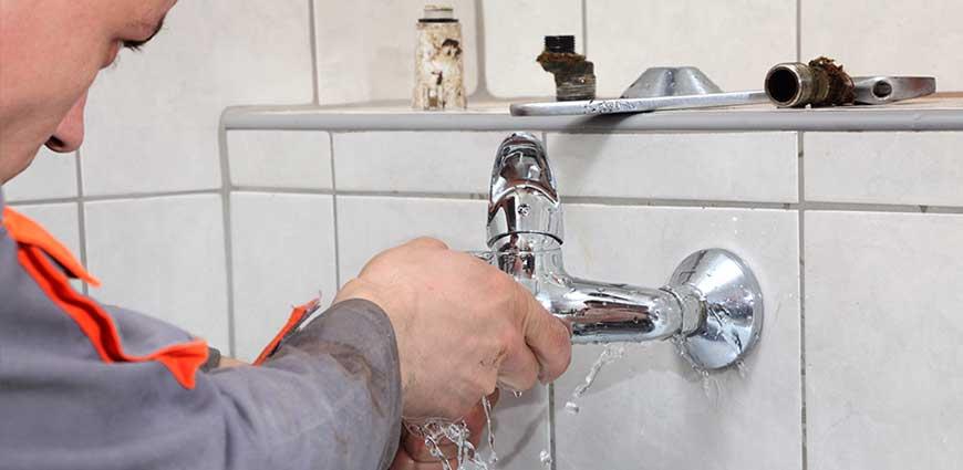 thợ thay vòi nước chuyên nghiệp tại nhà
