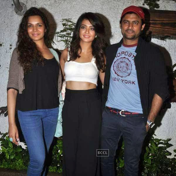 Surveen Chawla poses with Manav Gohil and Shweta Kawatra at the premiere of Bollywood movie Hate Story 2, held at Super Sunny Sound in Mumbai, on July 17, 2014.(Pic: Viral Bhayani)