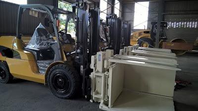 Xe nâng diesel 5 tấn