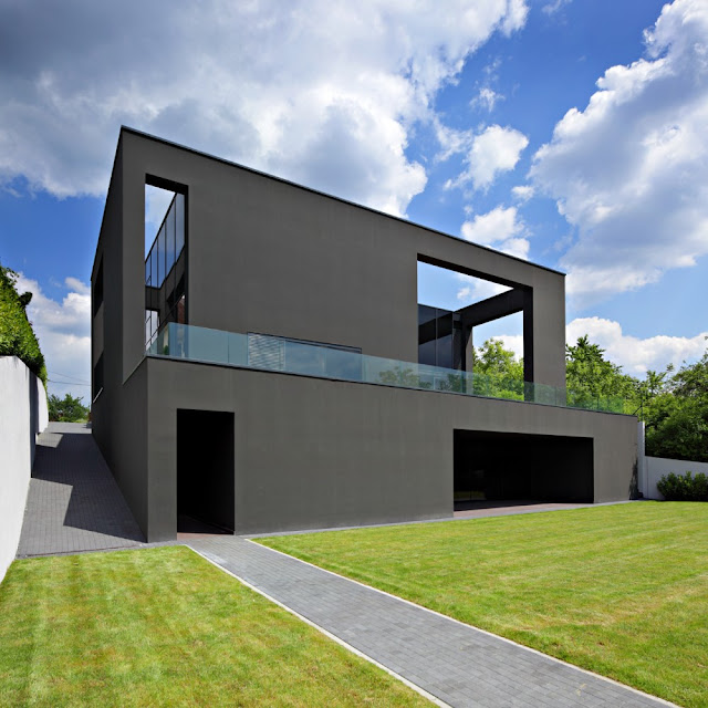 Black%2520House%2520%2520DVA%2520ARHITEKTA%252001.jpg (640×640)