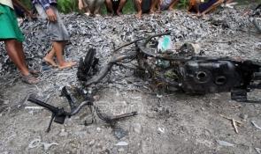 YOUTUBE TAWURAN AREMA VS BONEK Tol Surabaya Video rusuh berdarah
