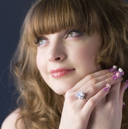 Stella Allen Photo 14