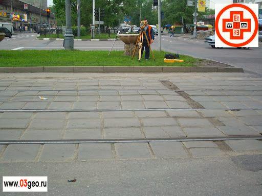 Фото разбивки осей, средние расценки на разбивочные работы и что такое вынос в натуру или привязка проекта к местности смотрите на странице http://www.03geo.ru/prom_10