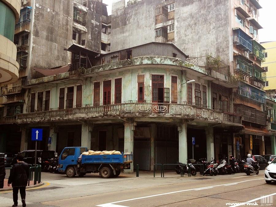 似已丟空的樓房