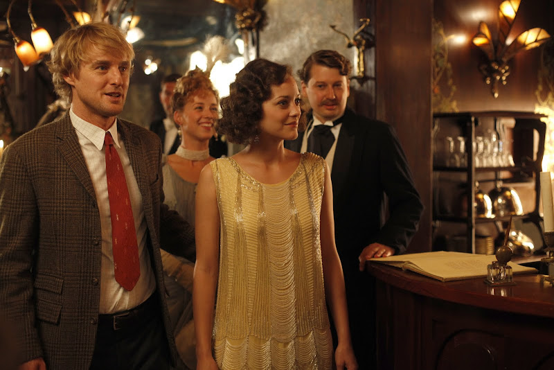 Owen Wilson and Marion Cotillard in Midnight                    in Paris