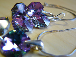 biżuteria z półfabrykatów - różowy blask (komplet - zbliżenie na kolczyki)