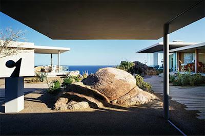 Casa Finisterra 17 Rumah Minimalis Indah Di Tebing Batu