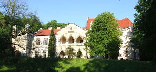 Pałac w Młoszczowej