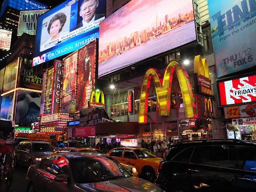 タイムズスクエアのマクドナルド