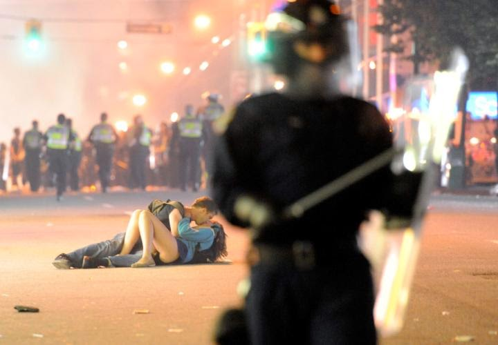 Vancouver riot's kissing couple