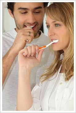 禾睿牙醫診所 - 五合一微創牙周病療法