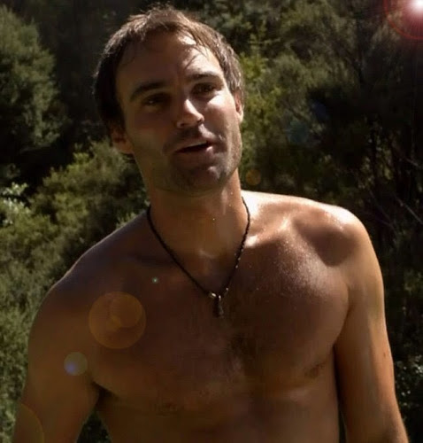 Shirtless Patric Reid (played by Matt Le Nevez)