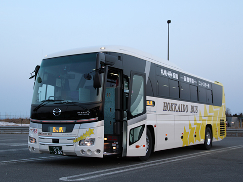 北海道バス「函館特急ニュースター号」 ・986 静狩PAにて