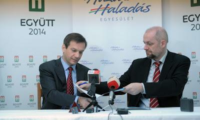 A Haza és Haladás Egyesület aláírta az együttműködési megállapodást a Szabad Város Egyesülettel. Iványi Aurél felvétele.