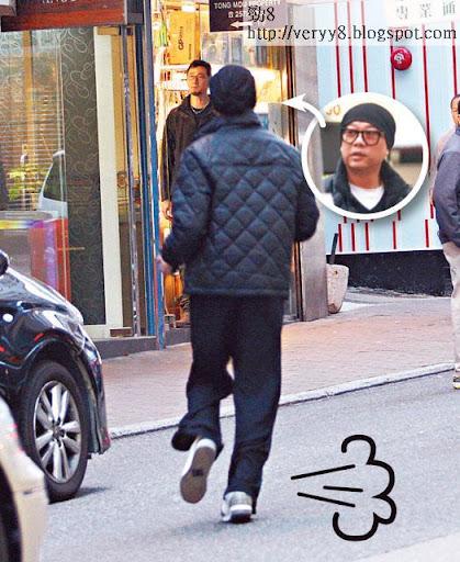 飛跑 <br><br>去攞車時 Bobby突然起跑,仲跑得鬼咁快㖭。難道想同媽咪姐賽跑?