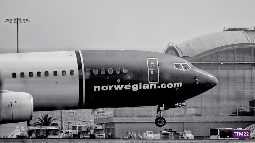 Nikon D5100, 55-200 mm, Aeropuerto de Alicante-Elche, Alicante, Aviones, Boeing 737-800, Norwegian, Blanco y negro,