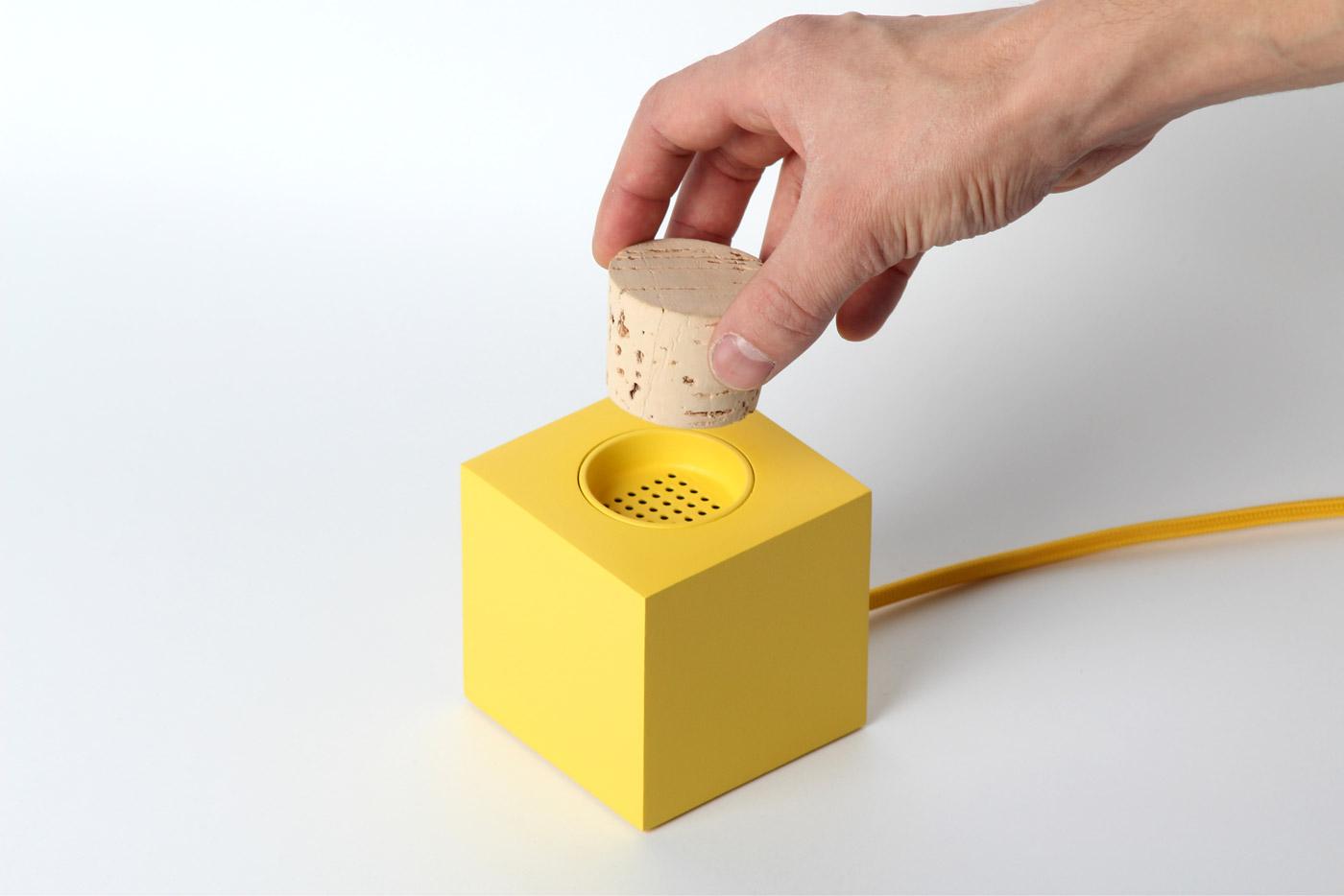 *Plugg Radio:Skrekkøgle概念軟木塞收音機! 2