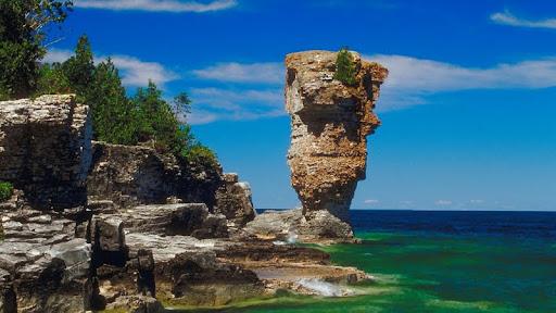 Rock Formation, Ontario, Canada.jpg