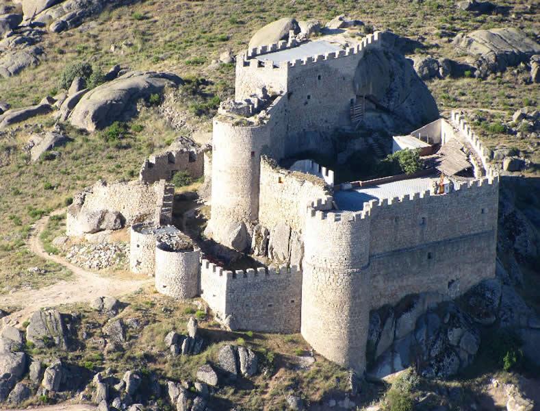 Castillo-Manqueospese-Avila