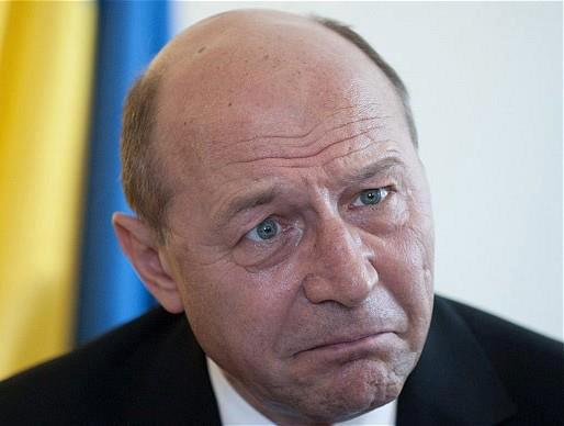 Traian Băsescu suspendat