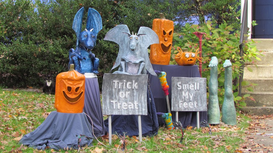 paper mache halloween display