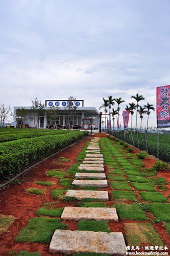 茶二指故事館石頭步道