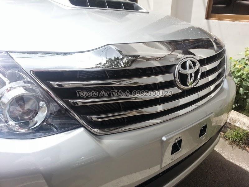 Khuyến Mãi Giá Xe Toyota Fortuner 2.5G 2015 Máy Dầu Số Sàn 3