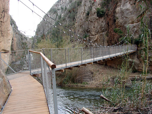 Senderismo: Chulilla - SL-CV 74 - Charco Azul - PR-CV 77 - Cuevas - Frailecillo - Pinturas - Pantano - Ruta de los pantareros - Puentes colgantes