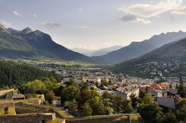 Traversée des Alpes, du lac Léman à la Méditerranée Gr5-mont-blanc-briancon-vue-4