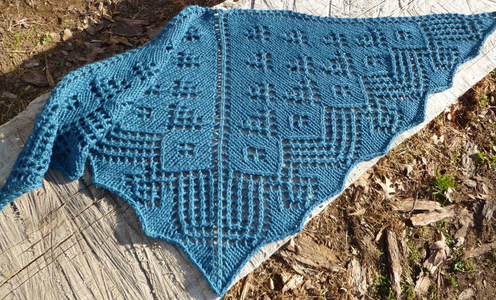Ginkgo Leaf Knitting Pattern : HaciMade Knits: Ginkgo Leaf Shawlette