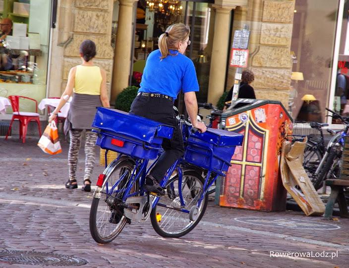 Listonosz rowerem? W mieście?